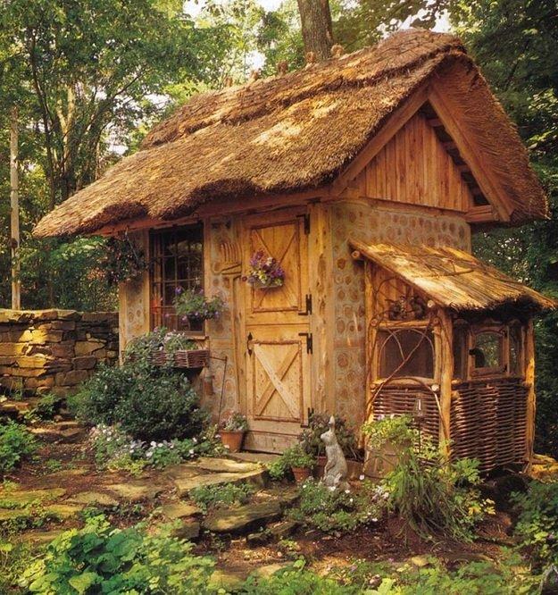 Укрась загородный дом красивой птичкой.